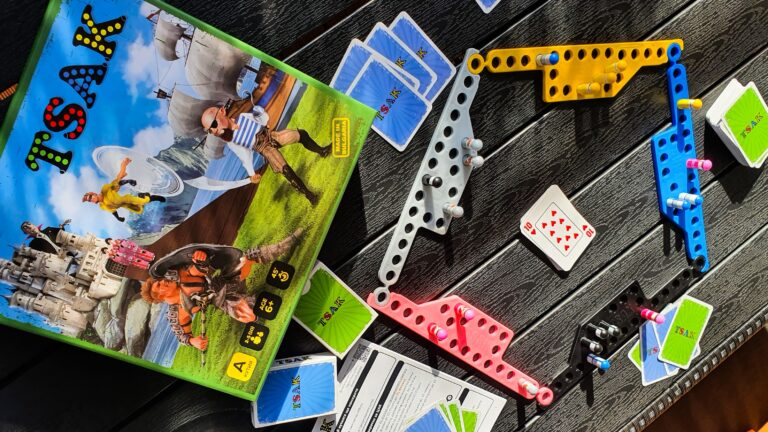 5 persons playing with 4 cards in hand during gameplay as per instructions.